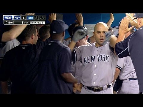 Beltran drills a three-run shot for the lead