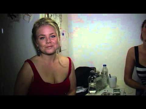 Karen og Jennie vil have MANDFOLK