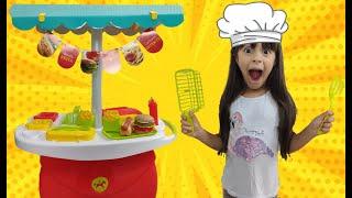 Julia e a Mamãe Brincam de Lanchonete e Restaurante ⭐️ Mama and kids playing in cafe