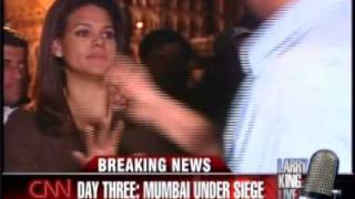 Repeat youtube video CNN reporter Sara Sidner is surrounded by an angry crowd in Mumbai