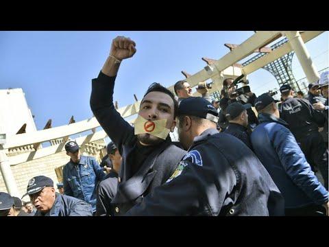 السلطات الجزائرية مصممة على إجراء الانتخابات الرئاسية رغم الاحتجاجات الشعبية
