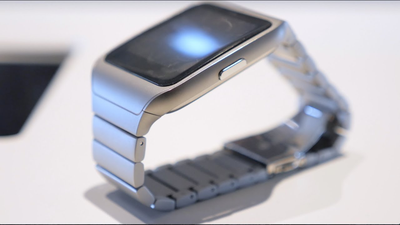 Sony SmartWatch 3 Metal Edition Hands-On (vs Moto 360 ...