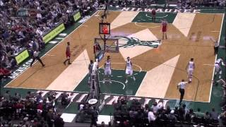 Bucks' Giannis Antetokounmpo ejected flagrant foul 2 on Bulls' Mike Dunleavy Jr.