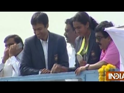 Rio Olympics Silver Medal Winner PV Sindhu Gets Heroic Welcome in Hyderabad