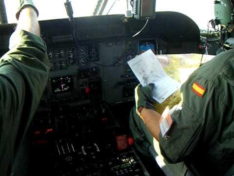 CASA 235 cockpit en vuelo. 744 Esquadron CASA 235. Sept.2009