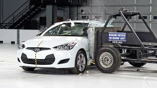 2014 Hyundai Veloster side IIHS crash test(2014 Hyundai Veloster 31 mph side IIHS crash test Overall evaluation: Acceptable Full rating at http://www.iihs.org/iihs/ratings/vehicle/v/hyundai/veloster/2014., 2014-07-30T04:00:05.000Z)