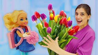 Куклы Барби готовятся к 1 СЕНТЯБРЯ! Что нужно для школы? Смешные видео для девочек