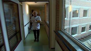 Pierre Spierings klaart honderdste klus bij verzorgingshuis Loovelt