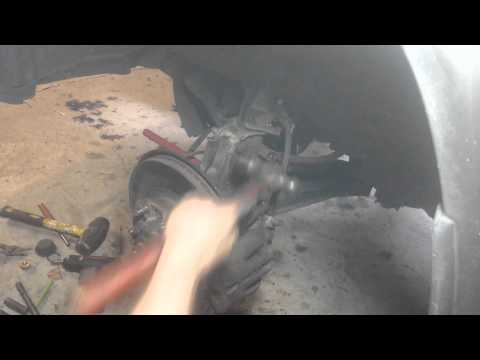 1996-2004 Nissan Pathfinder: Front Axle Replacement