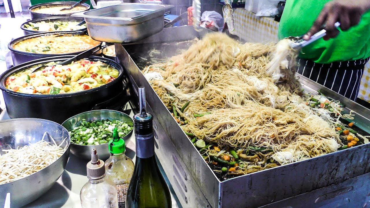 Noodles and Other Foods from Singapore Tasted in Brick Lane. London Street Food - YouTube