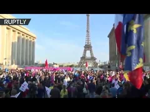 La Manif pour tous remonte à Paris contre le mariage gay (Direct du 16.10)
