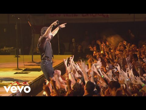 Bruce Springsteen & The E Street Band - Waitin' on a Sunny Day (Live In Barcelona)
