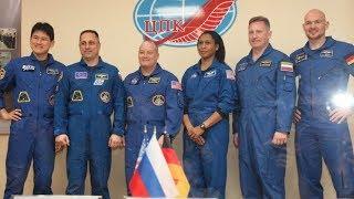Предстартовая пресс-конференция экипажей ТПК «Союз МС 07»