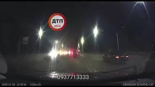 Видео момента взрыва под Киевом на Житомирской трассе: подорвали Мерседес АА0070MI серьёзно постра