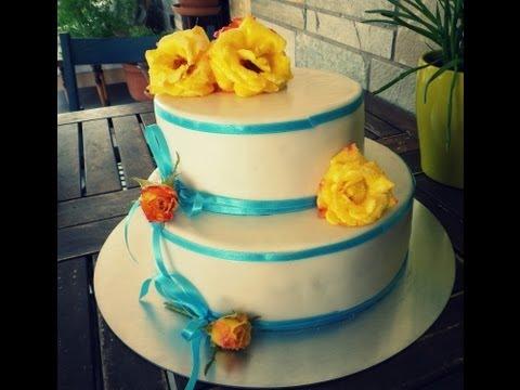 Στολισμός δυόροφης τούρτας