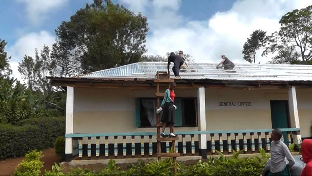 bau einer 5 kw solaranlage mit batteriespeicher in tansania anl sslich eines begegnungsbesuches. Black Bedroom Furniture Sets. Home Design Ideas