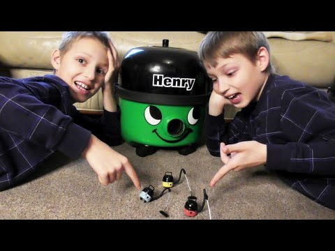 SANTA WATCHES OUR VIDEOS!?!?!? ~ Kids get Present = New GREEN HENRY THE HOOVER for their Collection