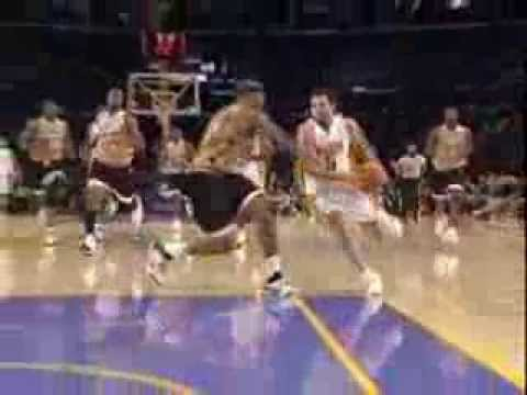 Jordan Farmar difficult lay-up over Caron Butler - LAL VS WAS 2006