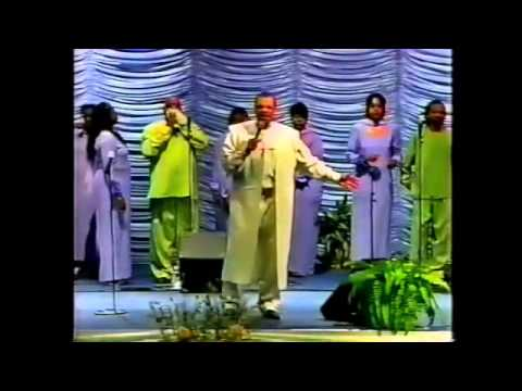 "Walter Hawkins & The Love Center Choir LIVE In D.C. - ""Just In The Nick of Time"""