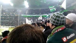 Mannschaftsaufstellung, Hymne und Einlauf Borussia Mönchengladbach gegen Schalke 04