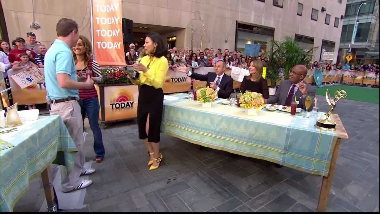 f6e5c05e7665 Ann Curry - leggy in high slit skirt - YouTube