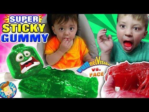 GUMMY PIZZA in MOMMY'S CLEAN HOUSE Joke FUNnel V Gummies Recycle Pt 2 Vlog