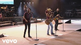 Kenny Chesney - Save It for a Rainy Day Live with Old Dominion