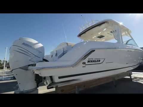2018 Boston Whaler 320 Vantage Boat For Sale at MarineMax Ft. Myers
