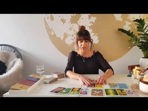LEO - ' STUCK ON YOU' 15-28th February Love Tarot Reading