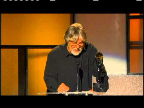 Bob Seger accepts award Rock and Roll Hall of Fame and Museum inductions 2004