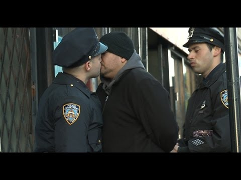 Bloomberg Defends NYPD's Controversial Stop And Kiss Program