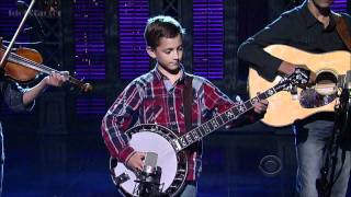 Смотреть клип 9-Year-Old Plays Banjo on David Letterman Show онлайн