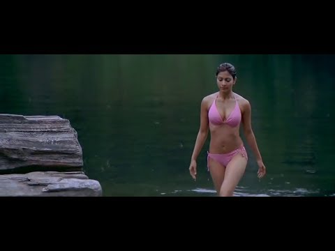 Tanisha Mukherjee Hot Cleavage Video Don't Miss It thumbnail