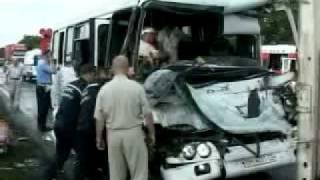 Маршрутка врезалась в грузовой автомобиль(, 2011-08-17T17:58:19.000Z)