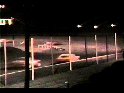 Rolling Wheels Raceway Street Stock races fall 1988 36 following Mike Clapperton M16