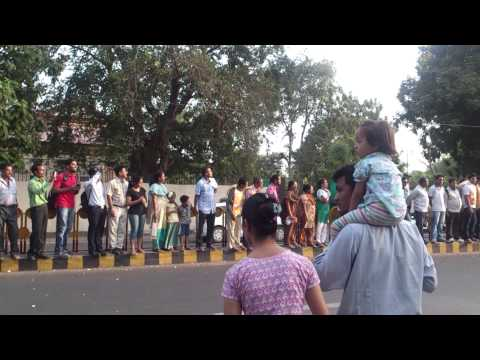 Narendra Modi rally convoy at baroda post victory!
