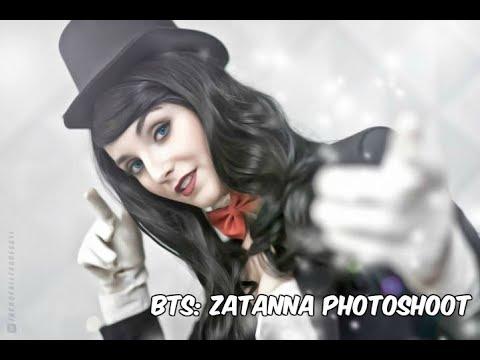 Zatanna and Trick Knives by zeraphie on DeviantArt