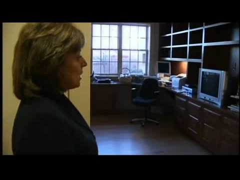 Governor Martinez gives tour of her new home