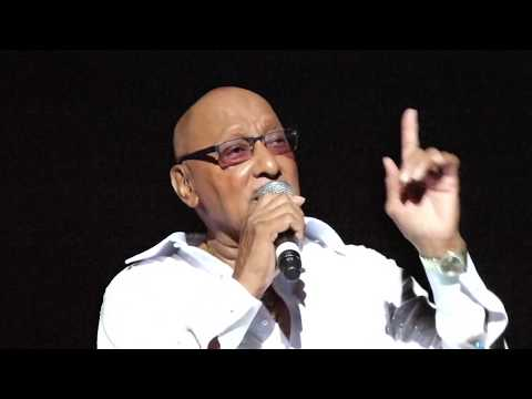 """ABDUL """"DUKE"""" FAKIR of THE FOUR TOPS, 2017, Reminisces, sings """"My Way"""" Video 1 of 2 (00020)"""