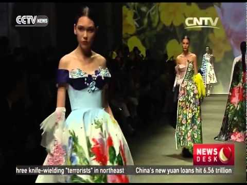 Chinese designer wins accessories award at International fashion competition