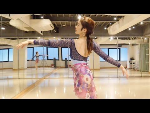 Ballet 第2アラベスクのアームスで背中を見せるコツ 2nd Arabesque in Arms