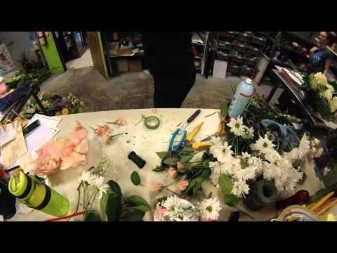 Wedding in Under a Minute! Florist Timelapse