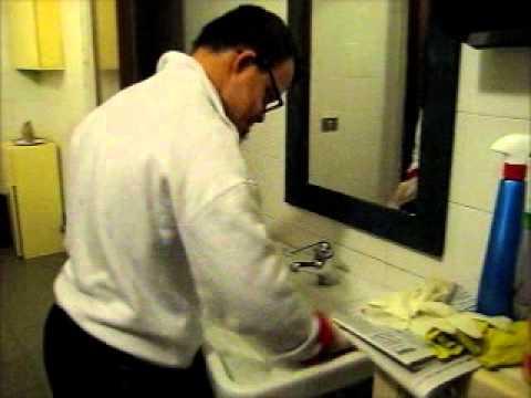 Giacomo pulire il bagno youtube - Il bagno di diana klossowski ...