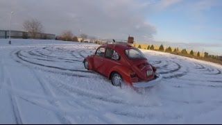 Drifting My Beetle In The Snow!