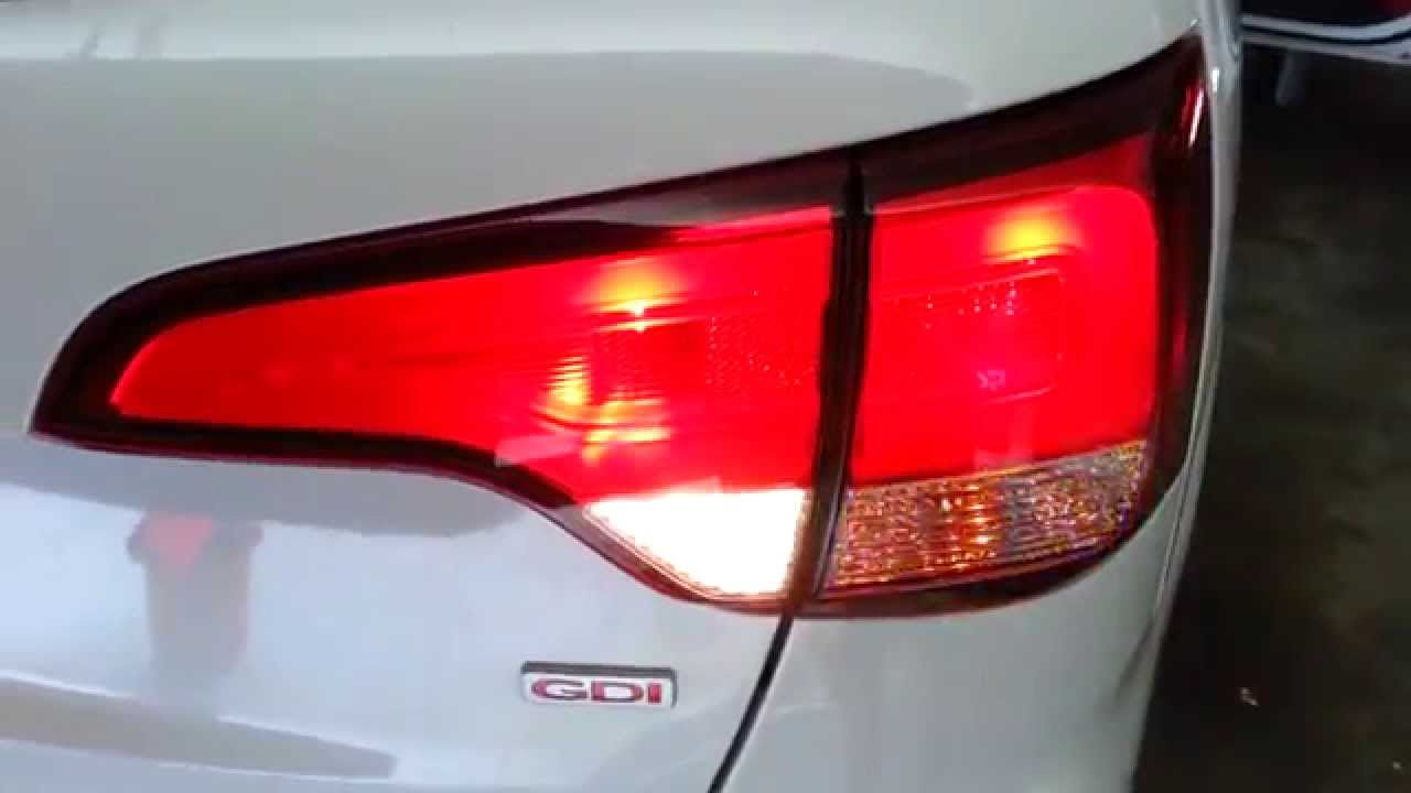 Kia Forte: Turn signals and lane change signals