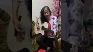Lucu Banget Parody nenek nenek nyanyi lagu cinta terbaik.