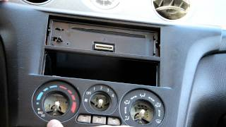 Radio change in Mitsubishi Outlander 2005