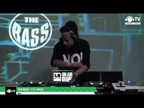 DJ Aki (Japão) @ The Bass Live #04 - 14 anos @ Ban TV