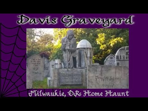 Davis Graveyard ~ AWESOME Milwaukie, OR Home Haunt in the Daytime ~ Toy-Addict