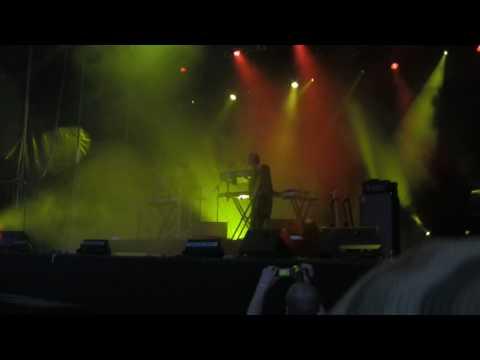 Balaton Sound 2009 Röyksopp - 04 Happy up here (HD)